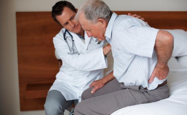 Почему образуются камни в почках у мужчин? Симптомы болезни