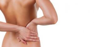 У женщины боль в спине