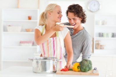 Пара соблюдает режим питания