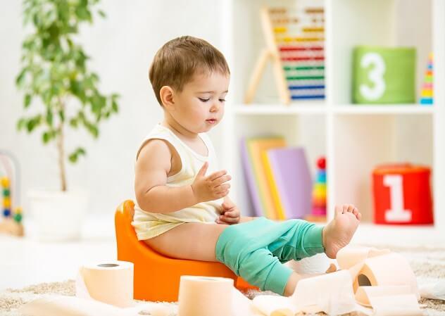 Ребенок часто ходит в туалет по маленькому: причины